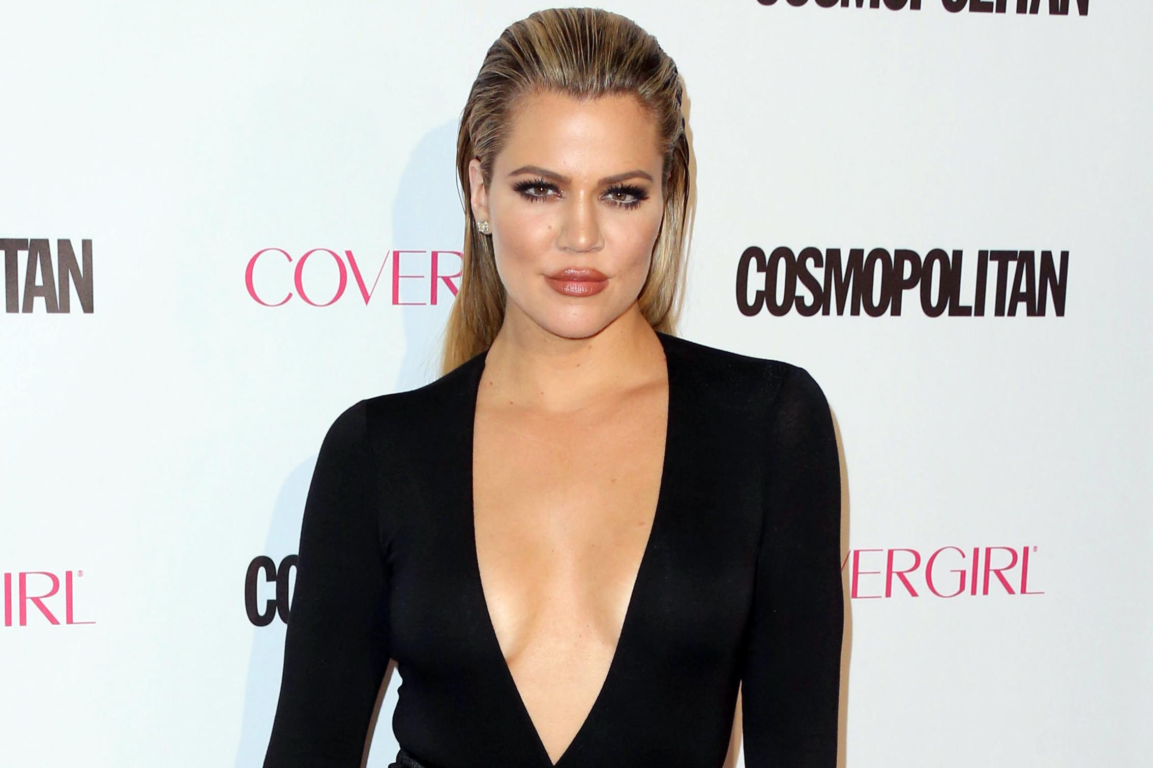 Khloe Kardashian foi pressionada pelo namorado mais velho a transar