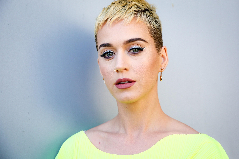 Katy Perry teve a primeira vez no banco da frente de um carro