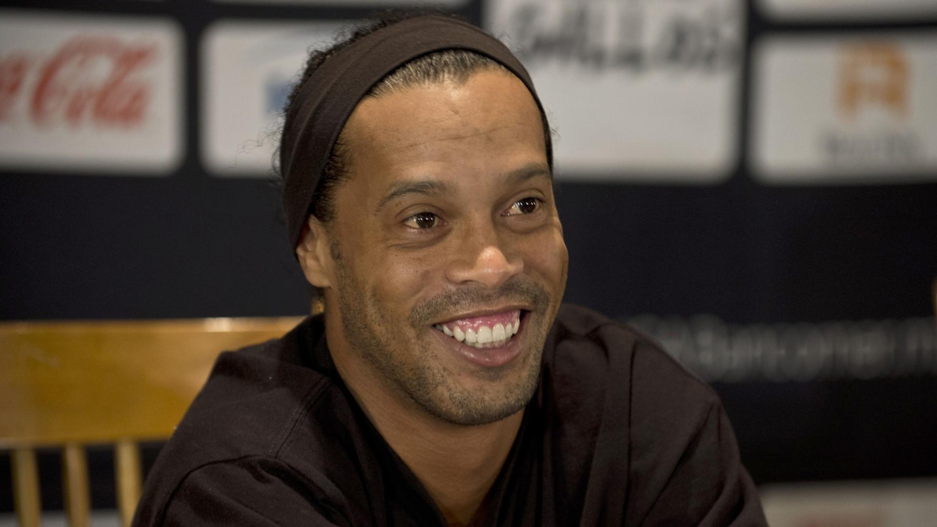 Ronaldinho Gaúcho teve um caso com a vizinha