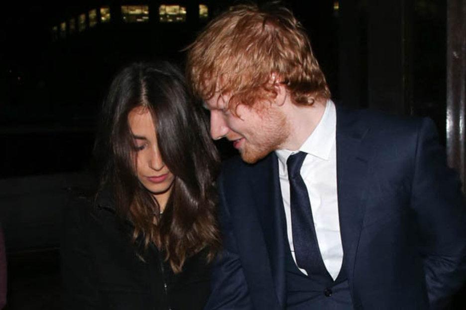 Ed Sheeran escreveu Thinking out loud para Athina