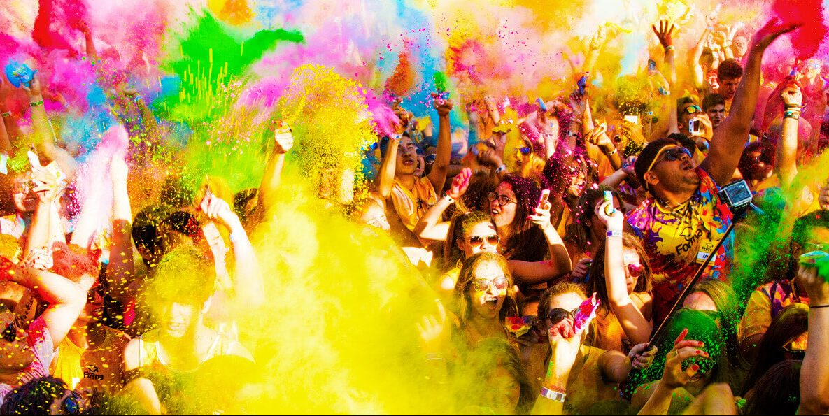 Festival das cores na badalada Porto Seguro