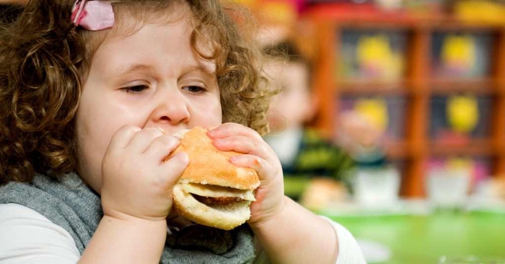 Controle os alimentos que seu filho ingere