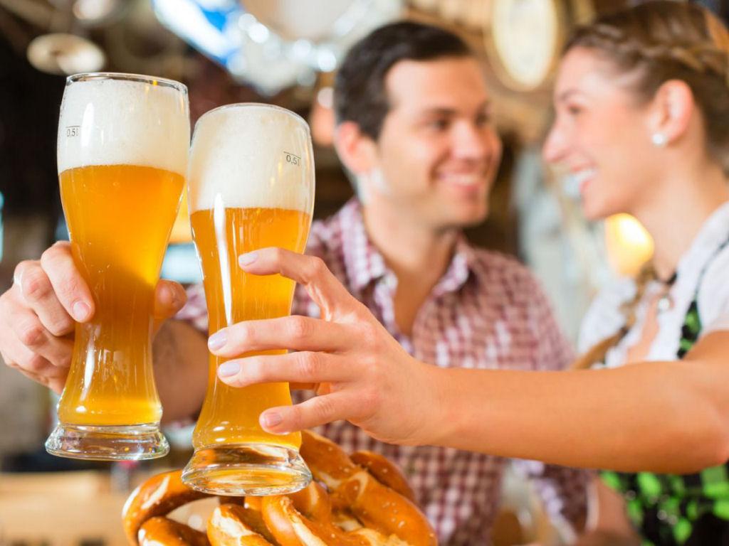 Pagode com cerveja em um ambiente mais tranquilo