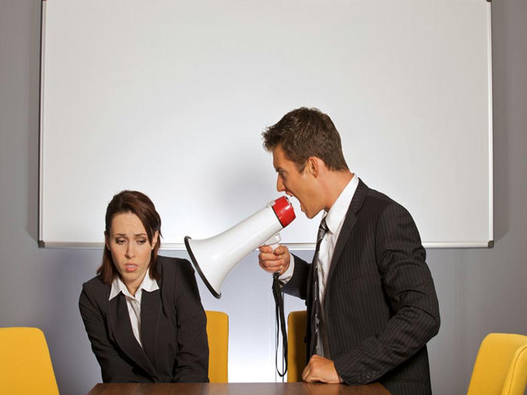 Falta de respeito com mulheres no trabalho