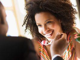 Dicas para o namoro virtual sair da internet
