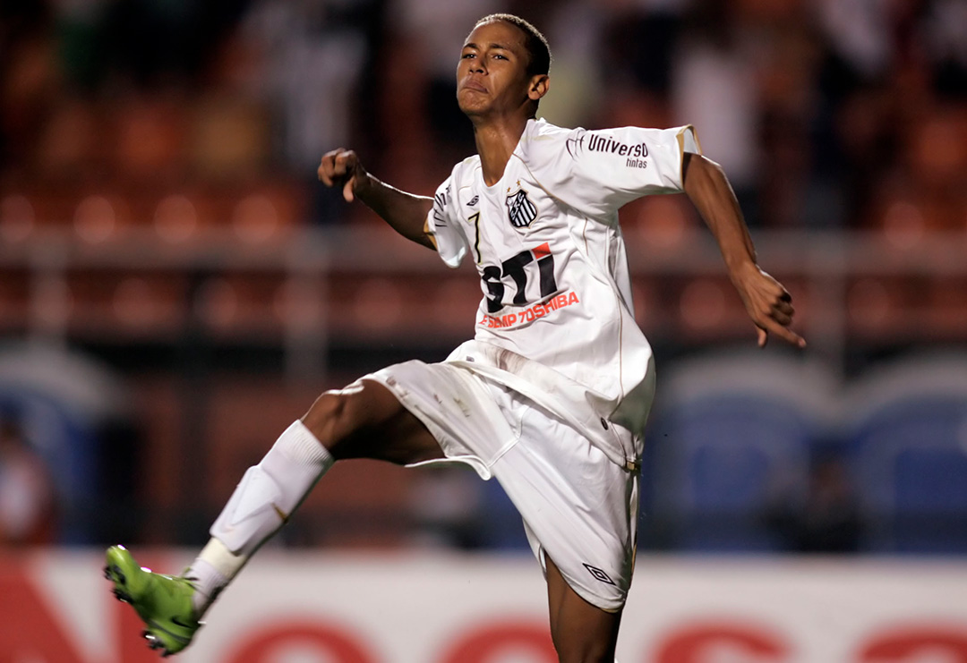 Neymar marca o seu primeiro gol pelo Santos FC em 2009