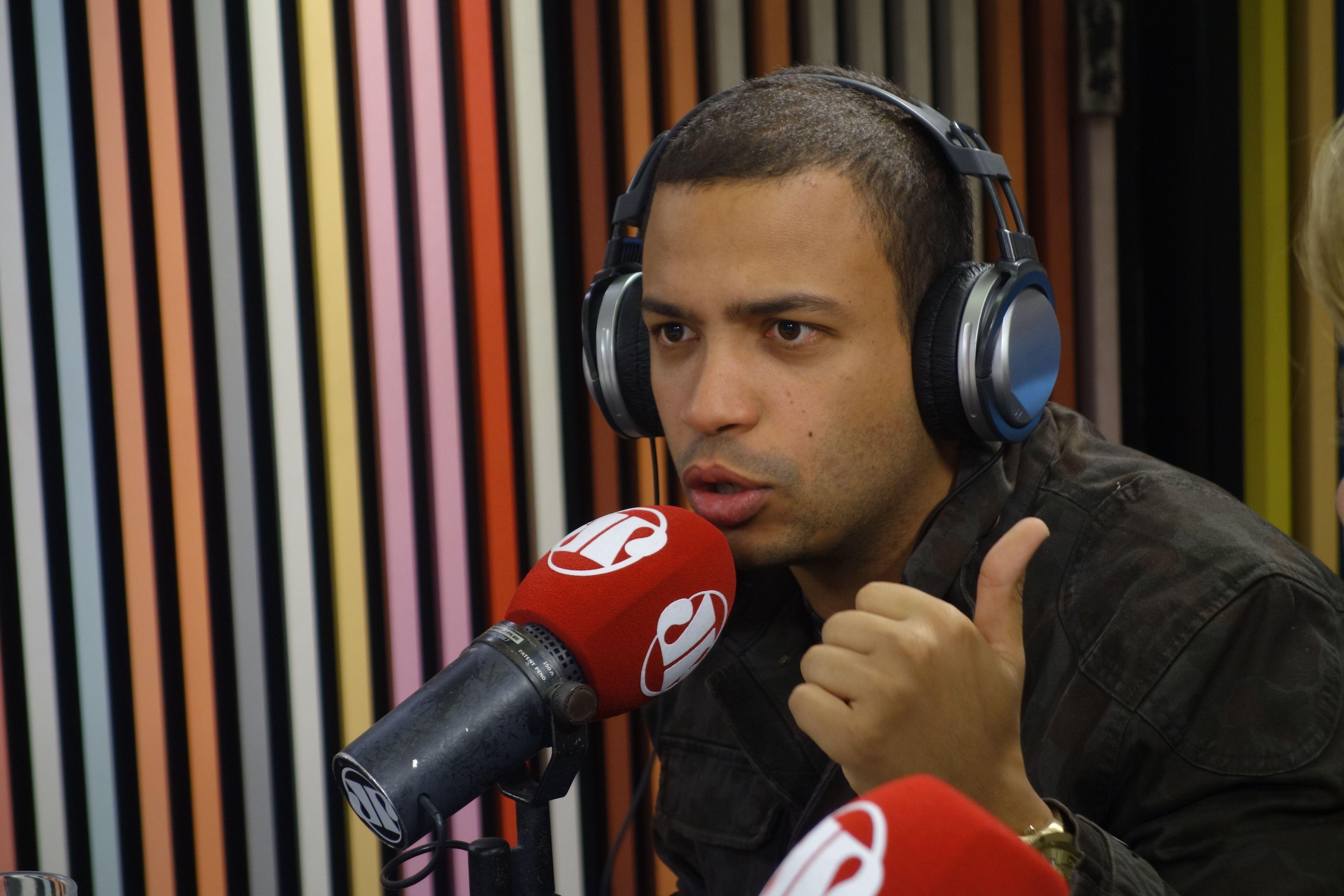 A cada entrevista dada, Tiago - nome de batismo do cantor - demonstra ser uma pessoa especiall