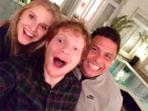 Curiosdade sobre Ed Sheeran é sua amizade com o ex-jogador Ronaldo Fenômeno
