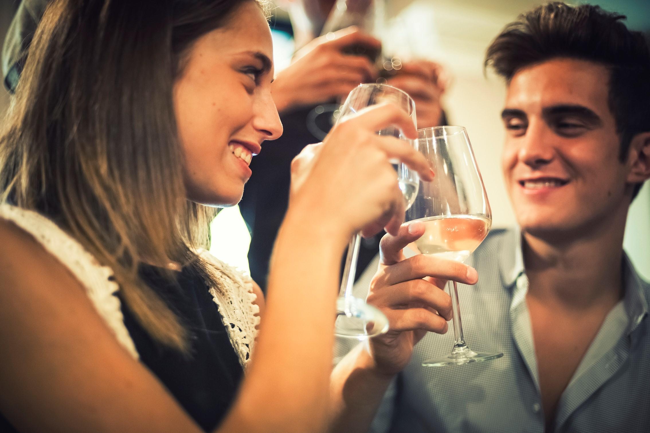 Quem quer evitar ser traído tem que evitar o relacionamento com aquele sedutor nato