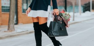 Over The Knee Boots: Curiosidades.